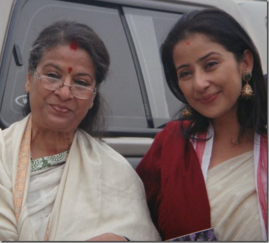 manisha-with-her-mother-Deepkiran-sharma