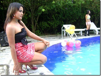 rekha_swiming pool side