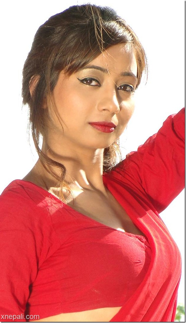 binita_baral_red_hot_saree_fullstop