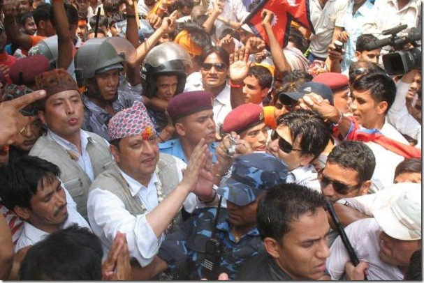 gyanendra_in_crowd_butwal_rupendehi