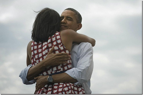 obama_hugs-wife-after win