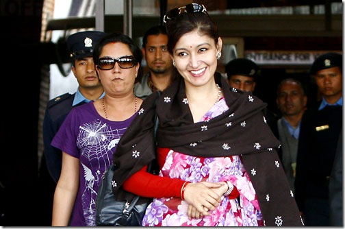 himani -at-airport - march 10, 2010 - from india