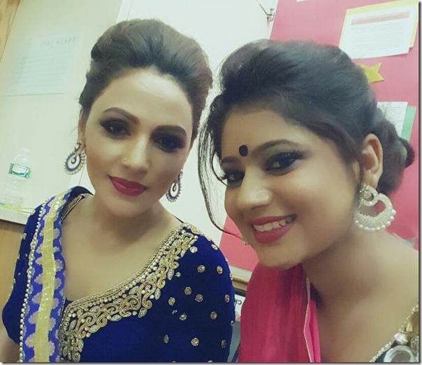 keki adhikari and nandita kc in miss nepal us 2015 backstage1