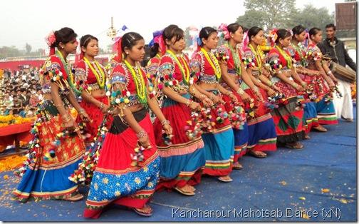 tharu_girls-dancing_Kanchanpur_mahotsab