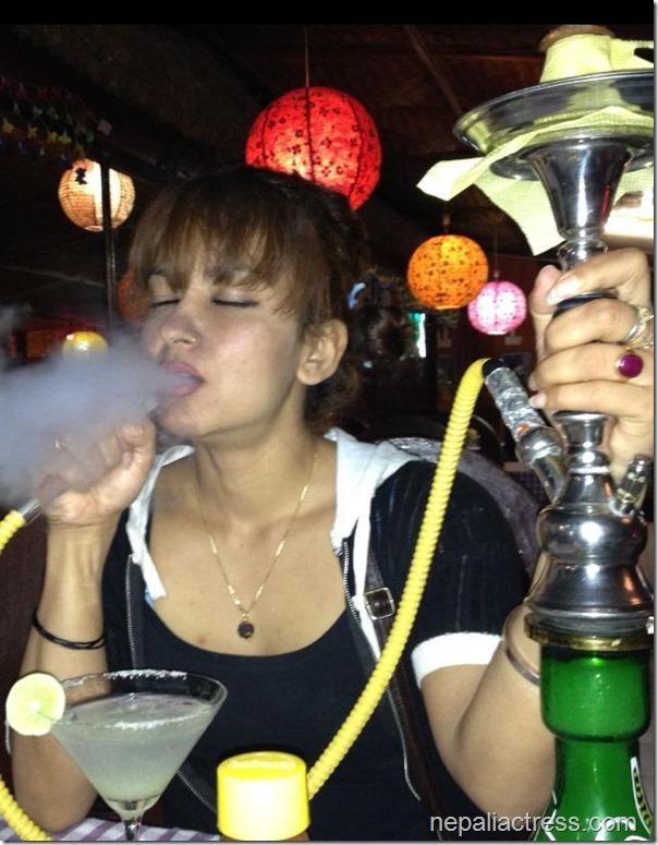 Jharana-thapa-smoking-hukka-1