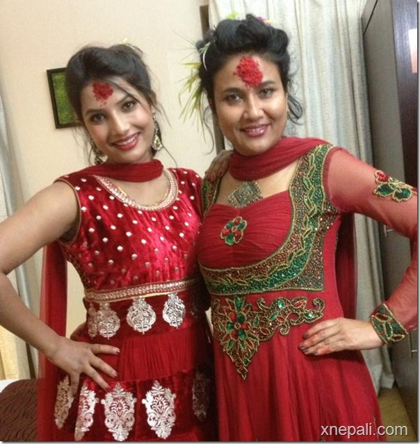 sumina ghimire and komal oli dashain