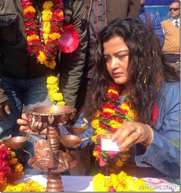 rekha thapa lighting lamp at mahendranager