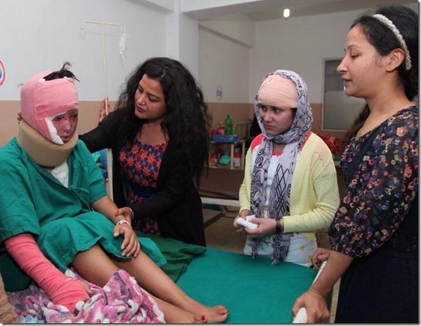 acid attack victim in kmc (10)