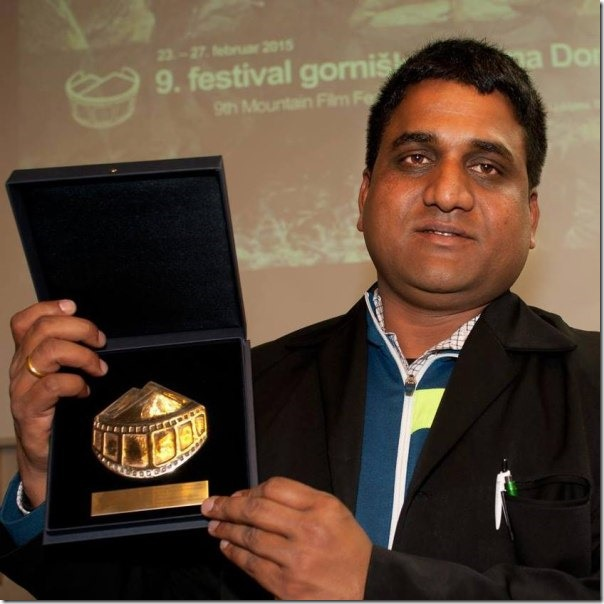 bhojraj bhat with award