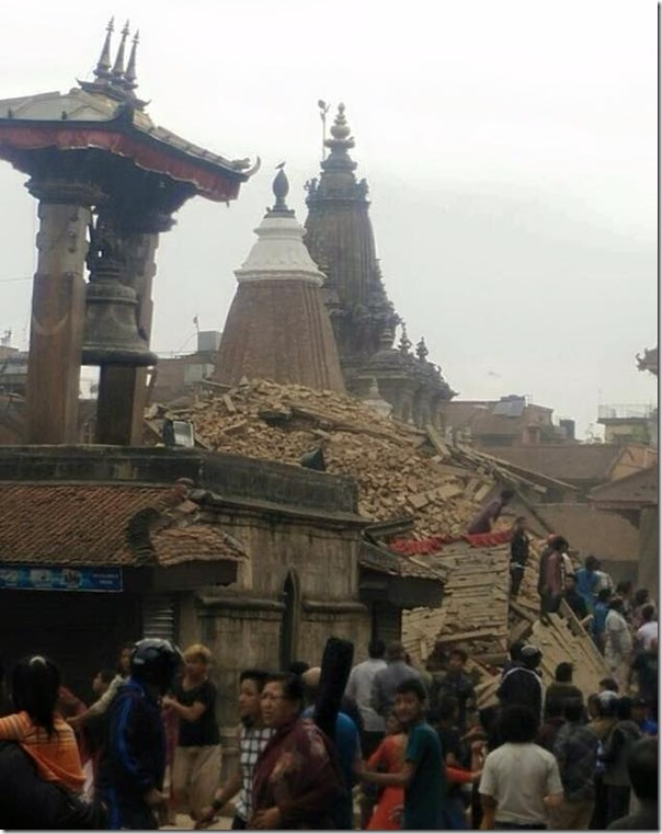 earthquake in nepal temple destroyed in patan