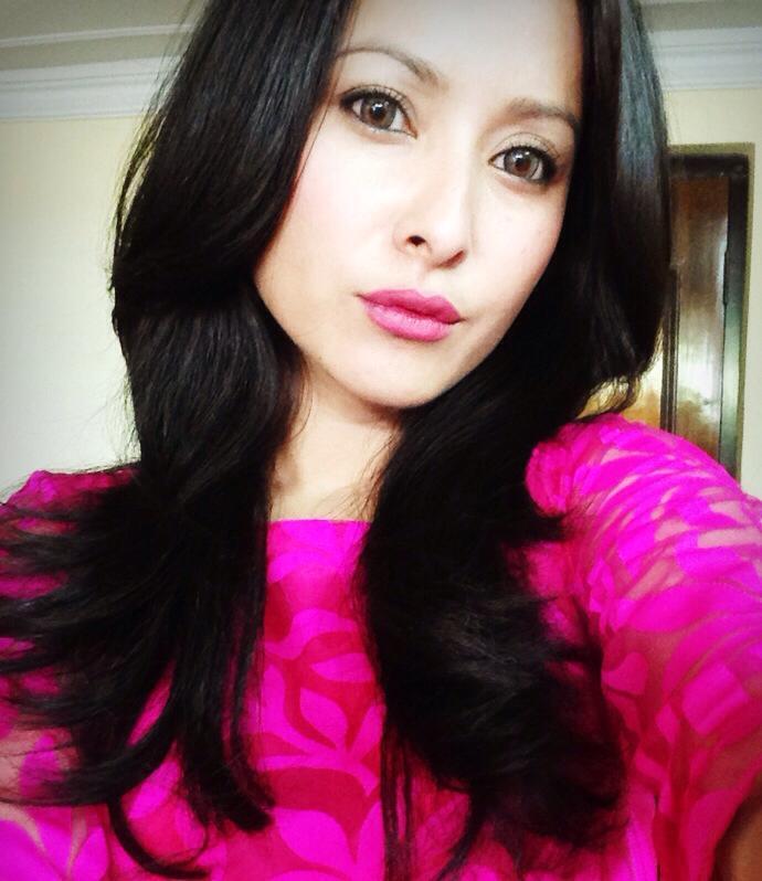 namrata-shrestha-selfie